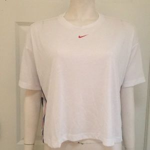 Nike Athletic/Athleisure Training Tee Size M, NWT!